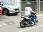 Produk motor 125 cc terbukti dapat menjadi teman setia berkendara rutin harian. Foto : HO.