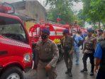 Anggota Respon Bencana Satbrimob Polda Kaltim bersama BPBD, Damkar dan Relawan Bencana Kota Balikpapan Berada di TKP. Foto : HO.