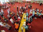 Vaksinasi massal di Gedung BSCC Dome Balikpapan. Foto : BorneoFlash.com/Muhammad Eko.