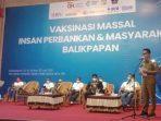 Wali Kota Balikpapan Rahmad Mas'ud, hadir pada saat OJK menggelar vaksinasi massal insan perbankan dan masyarakat kota Balikpapan di Gedung BSCC Dome pada Selasa (13/7/2021). Foto : BorneoFlash.com/Muhammad Eko.