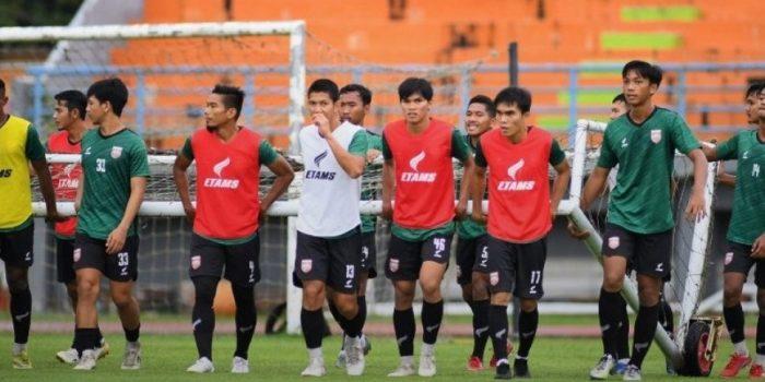 Skuad Borneo FC Samarinda saat Menggelar Latihan. Foto : HO.