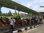 Suasana Antrian masyarakat yang akan mengikuti Vaksin Merdeka di Kodim 0912/KBR. Foto : BorneoFlash.com/Lilis Suryani.