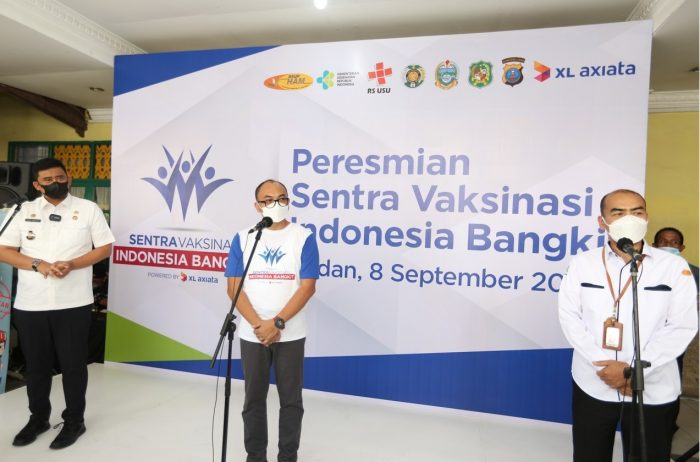 Walikota Medan, Muhammad Bobby Afif Nasution membuka acara Sentra Vaksinasi Indonesia Bangkit di kantor Kecamatan Medan Selayang, Rabu (8/9/2021). Foto : HO.