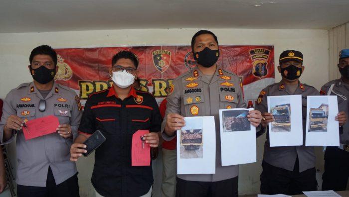 Polres Berau melakukan konfrensi pers tindak pidana Illegal Logging, bertempat di halaman Mapolres Berau, Kalimantan Timur, Selasa (14/0/21). Foto : HO/Humas Polres Berau.
