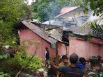 Kebakaran di pemukiman warga di Kawasan RT 50, Kelurahan Margo Mulyo, Balikpapan Barat pada Senin (11/10/2021) sekitar pukul 11.50 Wita. Foto : BorneoFlash.com/Muhammad Eko.