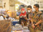 Menteri Pariwisata dan Ekonomi Kreatif, Sandiaga Uno membuka acara Batik Nusantara Celebration dari ALL - Accor Live Limitless Bersama Pelaku Ekonomi Kreatif, Minggu, 10 Oktober 2021 di The Phoenix Hotel Yogyakarta – MGallery Collection, Yogyakarta. Foto : HO/Novotel-Ibis Balikpapan.